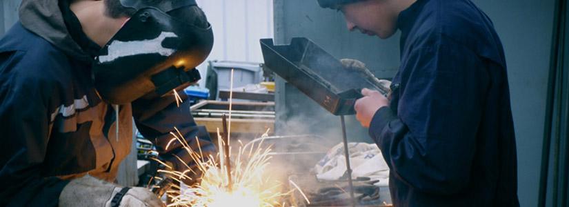 Bezpieczne warunki w pracowni chemicznej i na warsztatach nauki zawodu